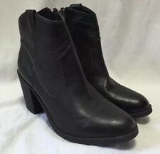 Women's Fashion Leather Motorcycle Ankle Boots 8.5/40 Black Divided Side Zip EUC