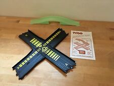 TYCO Mattel HO Slot Car Collision Crossing Track Piece Nite Glow Flyover Bridge