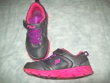 Fila Swype 2 Leather Running Shoes PRE-OWNED VERY NICE!