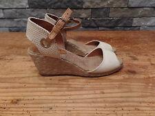 Lucky Brand Wedge Espadrille Sandals Cream Women's Size 6 Very Nice!