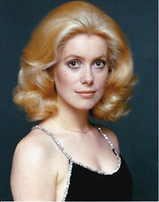Catherine DENEUVE       Photo couleur 20 X 25 CM