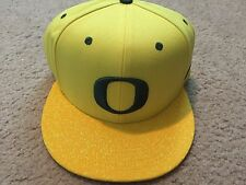 New Nike College True Snapback Hat Cap Oregon Ducks Yellow/Green