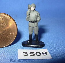 Star Wars Micro Machines Action Fleet IMPERIAL OFFICER From Officer Set Fig #4