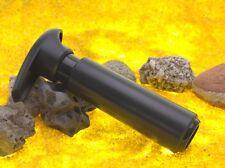Vakuum Pumpe für Vorratsbehälter aus Kunststoff von Vacu Vin