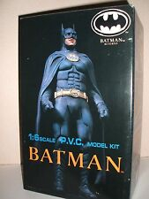TSUKUDA BATMAN RETURNS BATMAN VINYL MODEL KIT FACTORY SEALED PARTS RARE