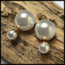 White double pearl tribal stud earrings. Good quality jewel sent in a gift pack