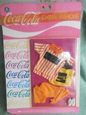 VESTITO  FASHION DOLL CLOTHES COCA COLA GIOCHI PREZIOSI ORIGINAL BRAND NEW