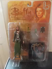 """BUFFY THE VAMPIRE SLAYER  SIGNED TRIANGLE TARA WITH CD 6"""" ACTION FIGURE SEALED"""