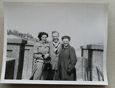 Vintage 50s B/W Photograph. Man & Two Women on Windy Beach. Sea. 1954 Clothes