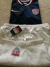 Authentic NIKE USA SOCCER JERSEY STYLE 449636 & SHORTS SIZE MEDUIM