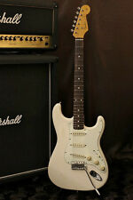 Fender Japan '62 reissue Stratocaster ST62 Vintage White finish Made in Japan