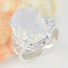 European Style Top Sale Oval Rainbow Moonstone Gemstone Silver Woman Ring Size 8