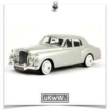 Minichamps 1/43 - Bentley S1 Continental Flying Spur 1956 argent