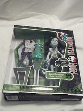 Monster High Scarah Screams Doll Daughter of Banshee TRU Exclusive Fashion Sarah