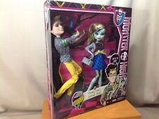 "Frankie Stein & Jackson Jekyll ""Picnic Casket for 2"" Monster High Dolls w/Stands"