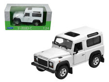 Welly 1/24 Scale Land Rover Defender White SUV Diecast Model 22498