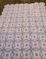 HANDMADE HAND STITCHED LANCASTER AMISH QUILT WEDDING RING SCALLOPED EDGES