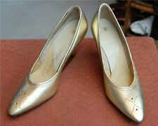 Gold GUILD MARK Pointed Toe 50 - 60s sz 8 Never Worn Heels