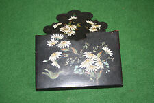 Vintage Hand painted papier mache wall packot, daisies.