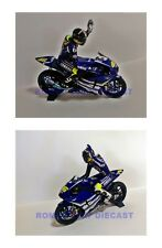 1:12 Set Minichamps Bike + Conversion Figure Valentino Rossi Jerez Test 2007