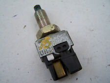 Mazda Premacy (1999-2005) Brake sensor switch  UH71