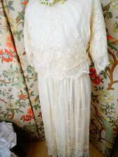 Un exquisito Antiguo Eduardiano Chantilly Encaje Vestido para Boda C.1905/10