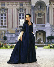 Catherine Zeta Jones UNSIGNED photo - E1592 - Catherine the Great