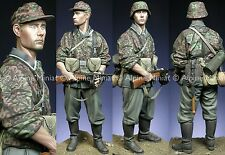 Alpine 16016 WSS Totenkopf Grenadier WW2 1/16th Model Unpainted kit