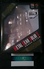 METAL GEAR SOLID 3 VCD CLEAR STEALTH CAMO SNAKE FIGURE MEDICOM