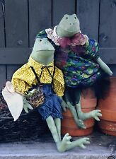 #3985 Frog doll couple - cloth pattern by Bonnie B Buttons spring decor
