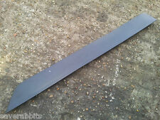 VW PHAETON MK1 02-07 REAR LEFT PASSENGER SIDE DOOR BOTTOM RUBBER STRIP TRIM