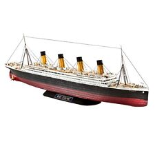 1:700 Revell R.m.s. Titanic Ship - R.m.s. Belfast Model Kit Set (05210)