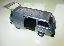 Volkswagen VW T3 t 3 Transporter in grau grise grey metallic, Schabak in 1:43!