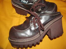 1990s Vintage Funky cool VEGAN Brown Platform clogs w/side lace detail L.E.I. 7M