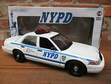 Ford Crown Victoria Police Interceptor nypd * luz + Sound * GreenLight * 1:18*neu