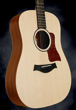 Taylor Big Baby 6-string Acoustic Guitar with Sitka Spruce Natural.