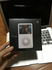Apple iPod classic 5th Generation White 30GB  MP3 Video Player