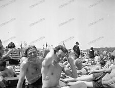 Beach life-1920/30-Fashion-Cute Happy young-Boy-Men-Jungs-trunks-swimsuit-nude-2