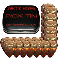 24 X Fender Shell Heavy Classic Celuloide Guitar Picks en un práctico Pick Tin
