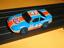 TYCO #43 PONTIAC GRAND PRIX RICHARD PETTY HO SLOT ON HP7 WIDE PAN CHASSIS (NOS)