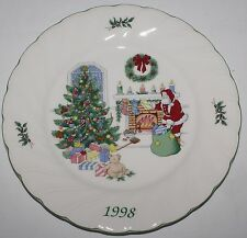 Nikko Happy Holidays 1998 Christmas Collector Plate Chestnuts Roasting w/ Box