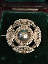 ANTIQUE VICTORIAN STERLING SILVER ENGRAVED ETRUSCAN STYLE BROOCH/PIN