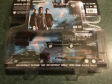 Greenlight  HOLLYWOOD HITCH & TOW  SUPERNATURAL  Set