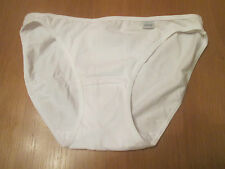 """Ladies white cotton knickers Brand name """"nickers"""" size 6/8"""