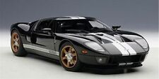 1:18 AUTOART FORD GT (BLACK/WHITE STRIPES) 2004- +kostenlose Vitrine