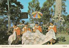 Carte postale ancienne PORTUGAL MADEIRA bordadeiras timbrée 1971