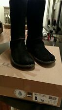 Ugg Woman's Black Boot 10 Med