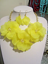 Yellow Acrylic Triple Flower Clear Faceted Glass Bead Chunky Necklace earring