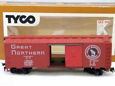 Tyco HO Scale Box Car Great Northern Electric Train Operating Doors Original Box