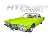 ROAD SIGNATURE 1:18 1971 BUICK RIVIERA GS DIE-CAST GREEN 92558GRN